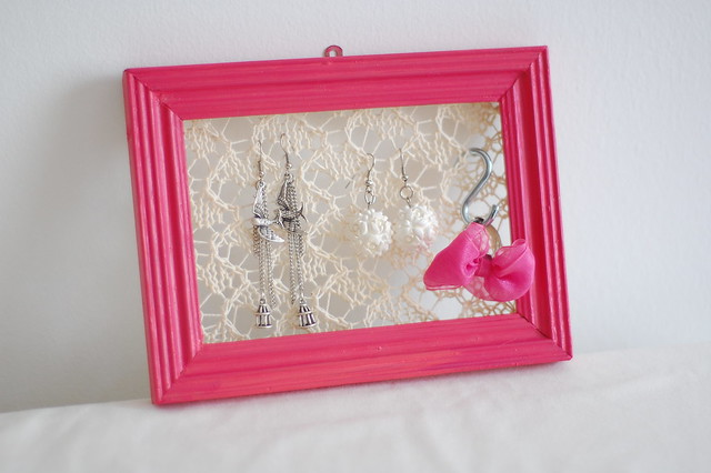 knitted earring holder