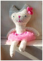 Gatita bailarina (~ tilde ~) Tags: cat handmade crochet kitty softie gato mueco knitted