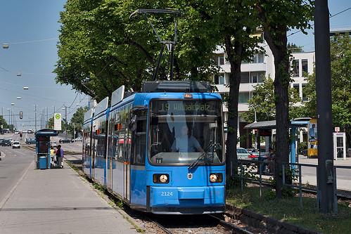 Die letzte gemeinsame Haltestelle der Linien 18 und 19 ist die Lautensackstraße