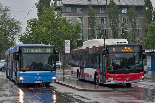 MAN trifft MAN am Romanplatz: 5267 der MVG trifft 552 der VAG Nürnberg