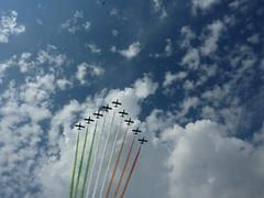 tricolore tra le nuvole a Torino (Explored #195) (solonanda non c' pi) Tags: sky verde clouds nuvole cielo rosso bianco freccetricolori tricolore abigfave explorewinnersoftheworld mindigtopponalwaysontop lovelyflickr
