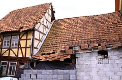 (:Linda:) Tags: roof house abandoned broken stone germany village thuringia dach dachziegel halftimbered fachwerk rooftile timberframing seidingstadt unterland dachschindel