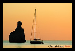 BENIRRS  (IBIZA) (DIAZ-GALIANO) Tags: sunset espaa orange beach canon atardecer spain sand playa arena ibiza hippie eivissa naranja vacaciones soe 30d hollidays benirrs blueribbonwinner coth supershot beautifulphoto flickrsbest kartpostal bej abigfave flickrestrellas quarzoespecial diazgaliano 100commentgroup ubej dragondraggerphoto saariysqualitypictures flickraward absolutelyperrrfect sailsevenseas newgoldenseal flickraward5 mygearandme ringexcellence dblringexcellence tplringexcellence eltringexcellence