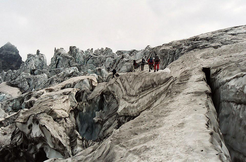 glacier dans les Alpes autrichiennes mi août 2003