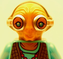 Maz Kanata (thebatbrickyt) Tags: star wars starwars the force awakens tfa theforceawakens episode7 maz kanata mazkanata lego legostarwars rey finn kylo han hansolo chewbacca leia darthvader cool picture closeup close up toy toyphotography fun awesome