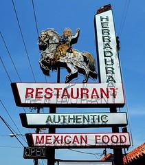 Herradura  Mexican Restaurant (Rob Sneed) Tags: usa texas rosenberg neon vintage advertising texmexcuisine mexicanfood ftbendcounty texana americana