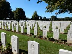 British War Cemetary, Bayeux (Beth M527) Tags: 2016 france bayeux bassenormandie lowernormandy cemetaries