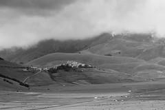 Castelluccio (mr_orange81) Tags: umbria italy castelluccio