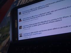 Nokia E7 Twitter