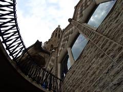 looking up at Sagrada Famlia (K Yelle) Tags: barcelona church architecture spain basilica lookingup espana gaudi railing curve viewpoint sagradafamlia antoniogaudi