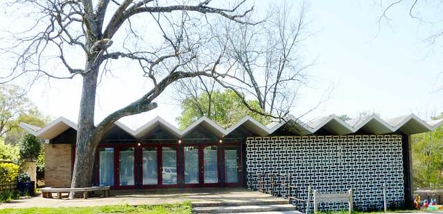 P1090457-2011-04-04-Ormewood-Park-Presbyterian-Church-Modern-Fellowship-Hall-1950