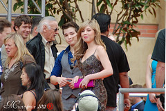 Jennette McCurdy and Nathan Kress (Music4mix) Tags: show california 2 portrait people orange usa cute sexy girl beautiful kids hair carpet los spring nikon long dress nathan angeles photos candid saturday skirt event short singer actress april celebrities awards candids press tamron arrivals kca nickelodeon mccurdy kress jennette entertaiment 2011 d80 galencenter kidschoiceawards 18250mm icarly music4mix