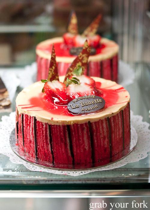 la banette strawberry cake dessert