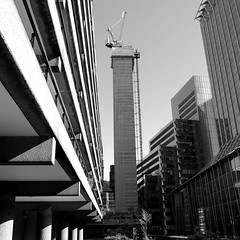 Crowded city (Spannarama) Tags: city uk london tower construction barbican citypoint ec2 moorlane ropemaker theheron