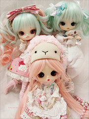 Marshmallow cuties!<3 (Paula ~) Tags: pink white cute doll mint dal wig ponytail cinnamoroll pigtail maretti paulia leeke obitsu eyechips 23cm 21cm rewigged byul rechipped