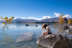 kids and the lake (Le Fabuleux Destin d'Amlie) Tags: autumn newzealand lake girl weather kids four march pentax review canterbury southisland mackenziecountry laketekapo rv aotearoa forme perhaps tekapo 2011 cins mackenziedistrict gettyimagesportraits rvns mfset