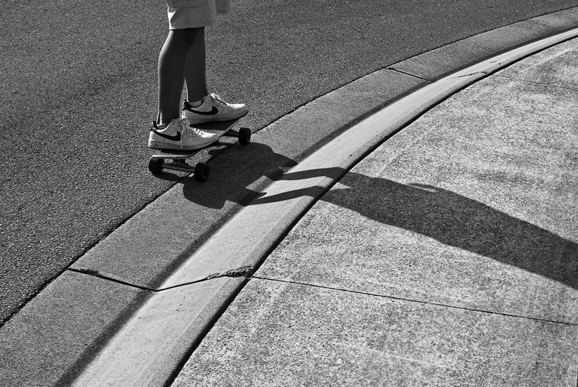 Skate between Lines