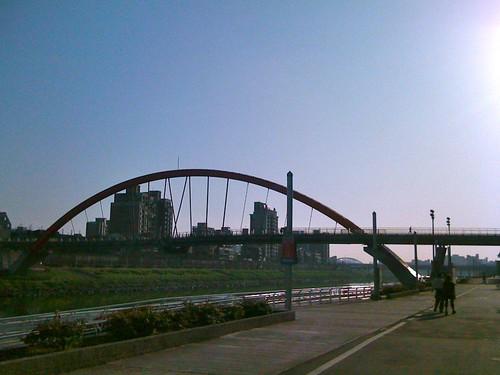 早晨六點多的河堤