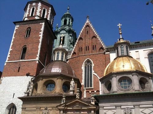 <span>cracovia</span>Il Wawel<br><br>Stili diversi si fondono nelle cupole della cattedrale<p class='tag'>tag:<br/>luoghi | cracovia | </p>