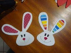 """coelhinhos de EVA (a_legria """"Aline"""" ; )) Tags: eva páscoa coelho casinha cenoura"""