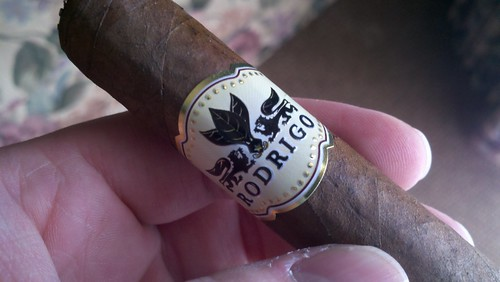 My first @RODRIGOCigars courtesy of @KnightRid. Anyone have one before? Thoughts? Cigarfest