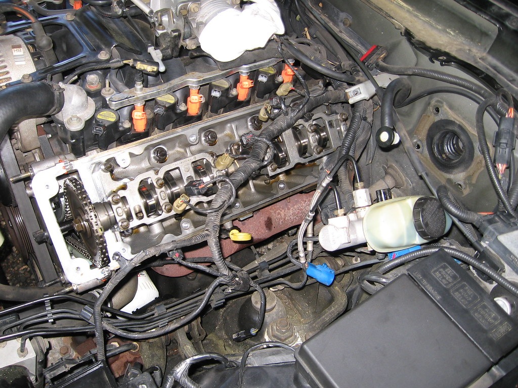 5667063645_643a0e8b37_b difficulty removing driver side valve cover 4 6l based  at crackthecode.co