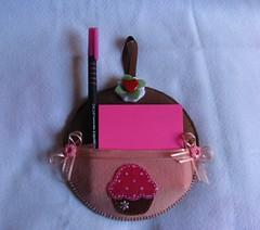 Porta Recados Cd Cupcake (Ns e as Linhas - Luciane Castro) Tags: cupcake feltro reciclagem portarecados lembracinha