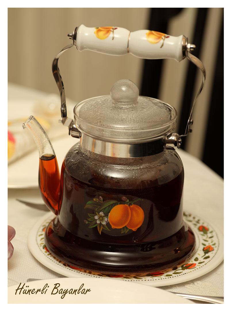 Necla Abla'nın Çay Sofrası