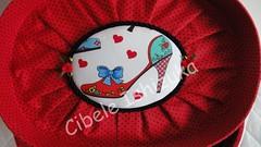 Frasqueira Oval Baixa (Arte & Art's Atelier - by Cibele Ishizuka) Tags: maleta frasqueira cartonagem forraofrancesa frasqueiraforradacomtecido