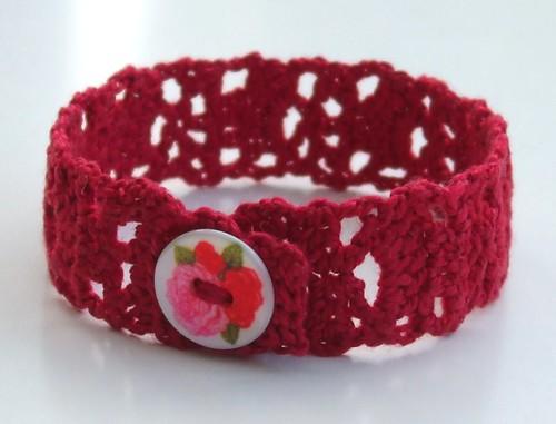 Lacy crochet bracelet - pattern