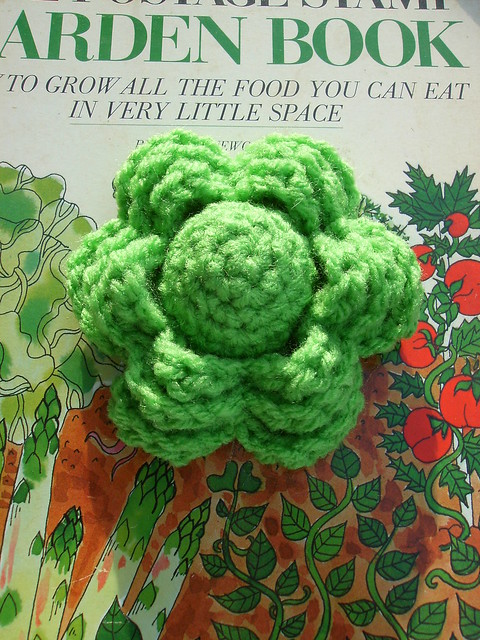 Grandmother's Pattern Book » An Irish Crochet Pincushion