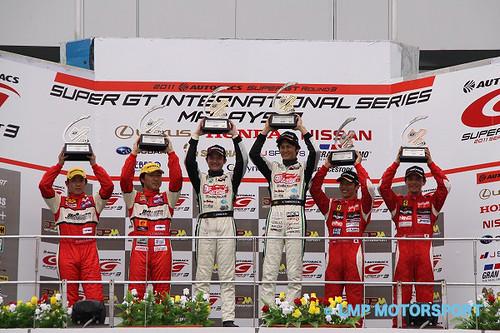 110620(2) - 全球史上第一輛「Super GT 房車賽」痛車《初音ミク BMW Z4 GT3》誕生4年、終於奪冠! (2/6)