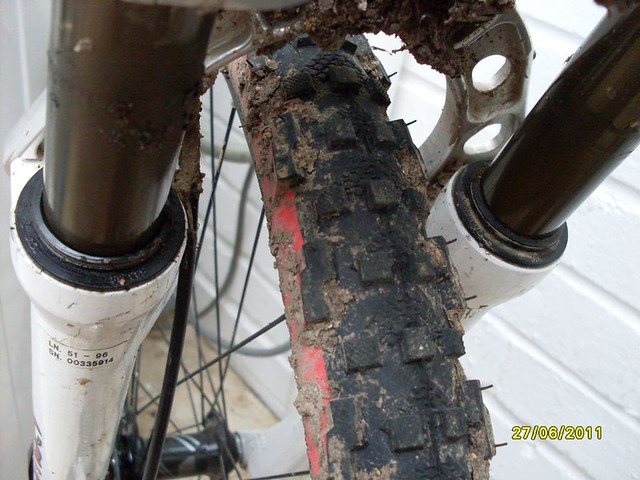 Bombers leaking oil -- Cause for concern??? | Retrobike