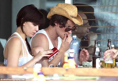 Matt Smith and Daisy Lowe take their never-ending PDA Stateside     7