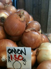 Onion Sign (redpopcreative) Tags: sign display onions onion groceries freshproduce freshvegetables inseason