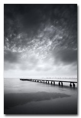 Minimalismo en el Mar Menor (jose.singla) Tags: light shadow sea bw seascape byn luz canon landscape monocromo muelle mar sigma sombra minimal murcia cielo pasarela minimalism minimalismo angular 1020 marmenor mediterrneo monchrome sanjavier 50d santiagodelaribera josesingla