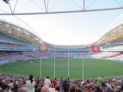 Our view, great position, no sun and with the Essendon crowd (Gavin Anderson) Tags: sydney essendon 3411 anzstadium closematch footyweekend