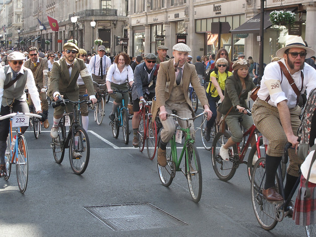 London Tweed run April 2011 (225)r