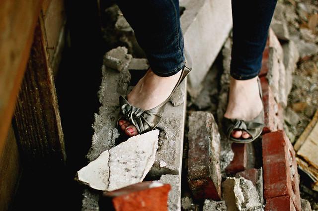 valerie_shoes_bricks