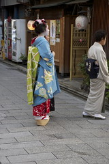 Maiko in Miyagawach (Sunjam74) Tags: kyoto maiko geiko geisha gion