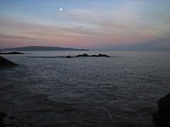 moonset at daybreak (bluewavechris) Tags: ocean sea sky cloud sun moon color nature water sunrise island hawaii lava day scenic maui sight molokini kahoolwae