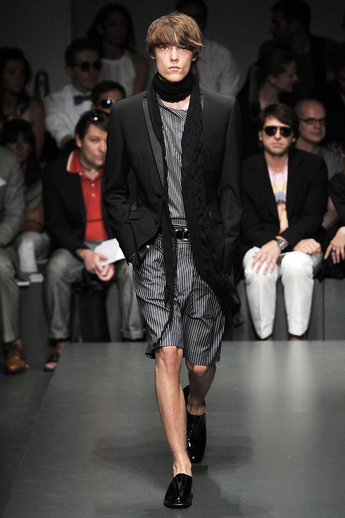 Truls Nergaard3001_SS10 Gianfranco Ferre(VOGUEcom)