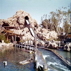 "Timber Mountain Log Ride, Knott's Berry Farm • <a style=""font-size:0.8em;"" href=""http://www.flickr.com/photos/56515162@N02/5675833808/"" target=""_blank"">View on Flickr</a>"