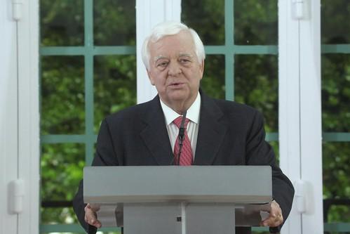 Conferência de Imprensa do Prof Eduardo Catroga