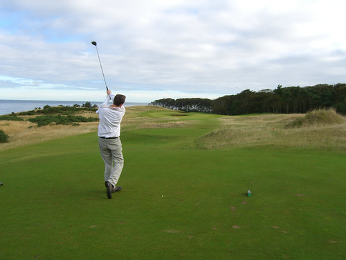 Erik tees off at Kingsbarns