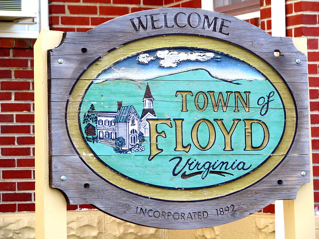 Welcome to Floyd, VA sign