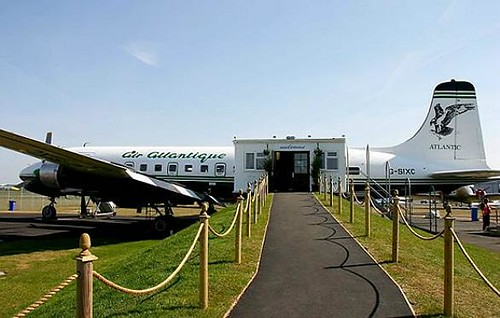 DC6-Diner-a-plane-converted-into-a-restaurant-at-Coventry-Airport