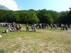 Le rassemblement des participants vers 9h30 au parking de Vizzavona