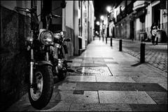 madrid, calle de Las Fuentes (Fabio McCaree) Tags: madrid nikon f2 nikkor 35 2011 d700