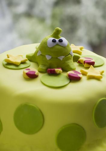 Om Nom of CutTheRope cake